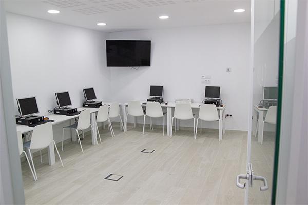 Autoescuela Crespo cuenta con modernas instalaciones en Valencia